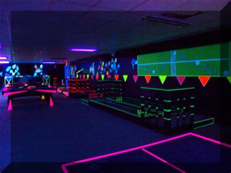 black light room glow a rama blacklight room