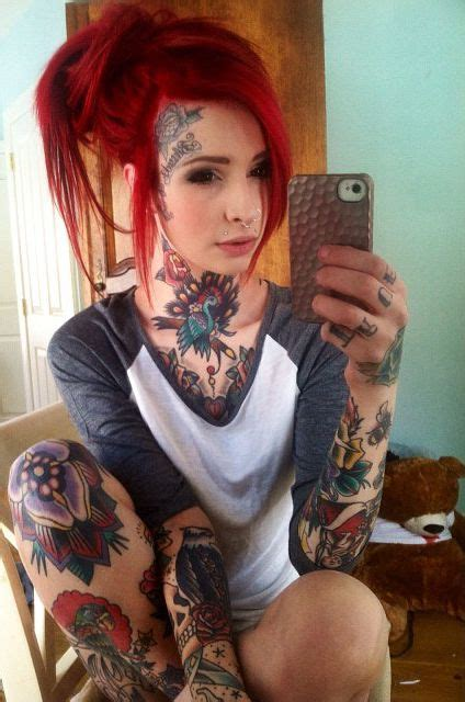 Stained Hands Dyed Hair Hur Dyed Hair Girl Tattoos