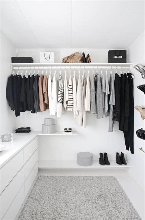 Das Ankleidezimmer Moderne Wohnideenankleidezimmer In Schwarz by Wandfarbe Wei 223 Stilvoll Und Immer Modern
