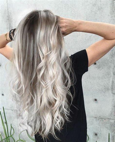 die besten 25 graue haare ideen auf graue blondine aschblond balayage und