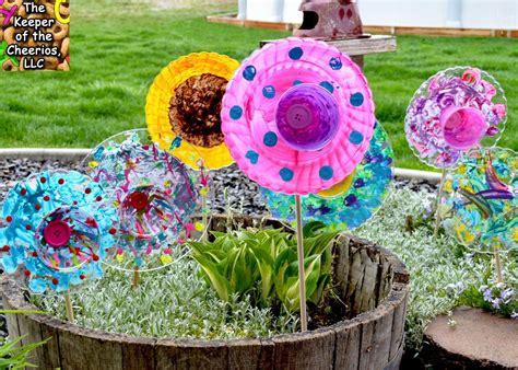 Garden Using Plates by Plastic Plate Flowers Gardening Flower Plates Plastic