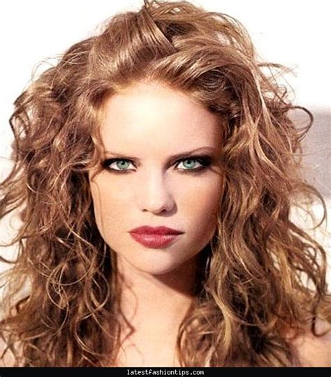 Hairstyles For Thick Curly Frizzy Hair by Haircuts For Thick Curly Hair Latestfashiontips
