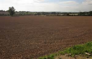 Tilled field, Cotwalton © Derek Harper cc-by-sa/2.0 ...