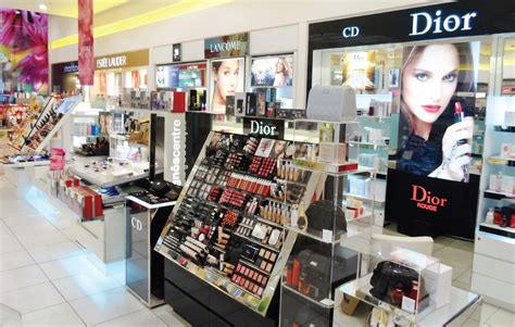 Cosmetic Manufacturers List • Manufacturers Lists
