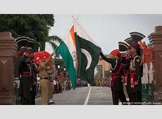 Ceremony of brotherhood at IndiaPakistan border World