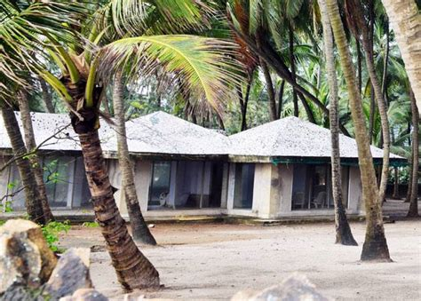 pics salman khan  building  lavish gorai bungalow  movies news