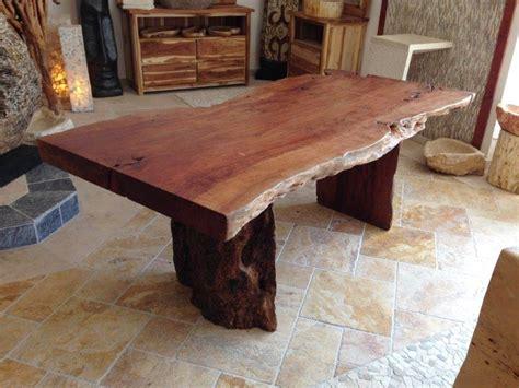 Tisch Aus Holzdielen by Esstisch Aus Einem Baumstamm Mit W 228 Hlbaren