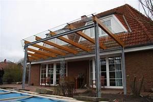 Terrassendach aus stahl glas und leimbindern saule mit for Gefälle terrassenüberdachung