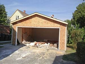 why choose an 18x8 garage door for your new home With 18x8 garage door