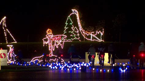 portland international speedway christmas lights bicyclists ride through winter wonderland at pir katu