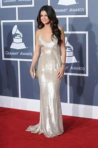 Selena Gomez red carpet dresses tumblr 2016-2017   B2B Fashion