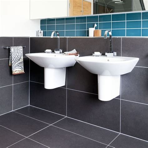 matching wall and floor tiles small bathrooms ideas
