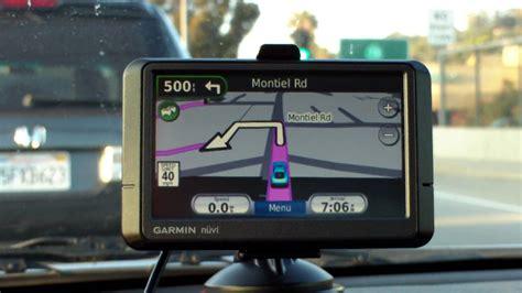 Garmin Nuvi 265wt Vs. Mio Moov 200 Auto Gps Road Test