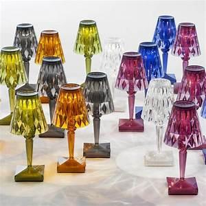 Lampe De Table Rechargeable : battery lampe de table kartell en technopolym re rechargeable led disponible en diff rentes ~ Teatrodelosmanantiales.com Idées de Décoration