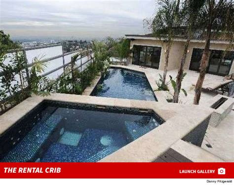 Johnny Manziel House - johnny manziel accused of wrecking l a mansion pay