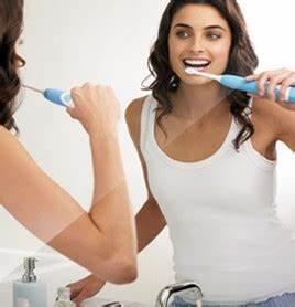 Dents Qui Se Déchaussent Photos : comment garder une bonne hygi ne dentaire ~ Medecine-chirurgie-esthetiques.com Avis de Voitures