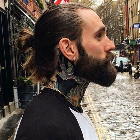 haircuts for thick hair 17 best ideas about ponytail on bun 9841