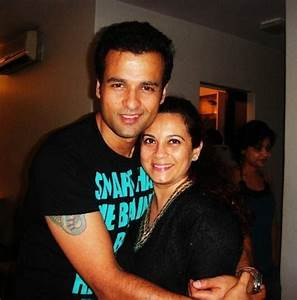 Rohit Roy's message for wife Manasi Joshi Roy is ...