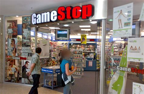 Gamestop Will Close 250 Stores, Open 70 New Stores In 2013