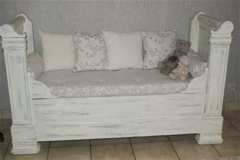canapé lit ancien un lit de coin transformé en canapé de gigibees24