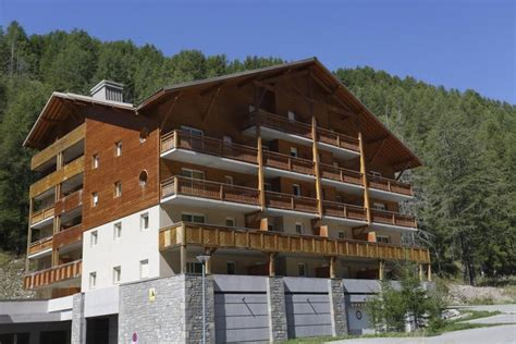 les chalets du verdon 50 val d allos location vacances ski val d allos ski planet