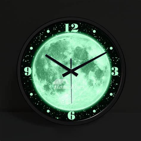 illuminated wall clock    silent modern silver