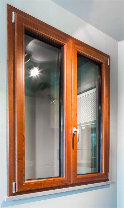 porte e finestre in alluminio finestre sch 220 co in alluminio e legno prezzo di vendita