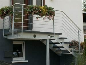 Außergewöhnliche Weihnachtsdeko Aussen : treppe mit podest aussen bv95 kyushucon ~ Whattoseeinmadrid.com Haus und Dekorationen