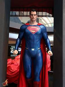 Massive Batman v Superman Display From Hot Toys - The ...
