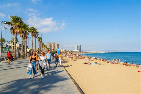 8 Best Barcelona Beaches for Year-Round Sun and Fun