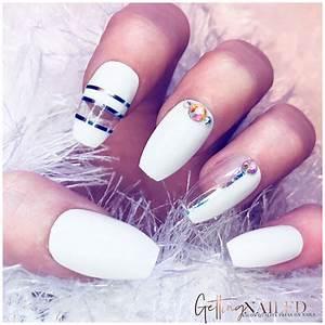 glossy white luxury nails