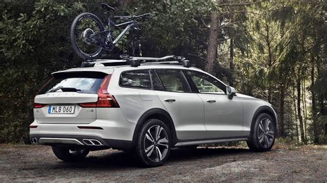 Volvo 2019 V60 Cross Country by Volvo V60 Cross Country 2019 Pagebd
