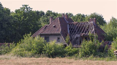 galerie verlassene villa im dorf