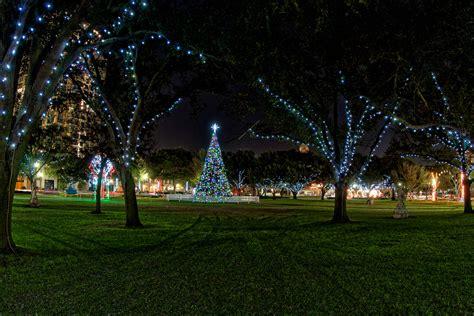 christmas lights st petersburg fl christmas in st peterburg matthew paulson photography