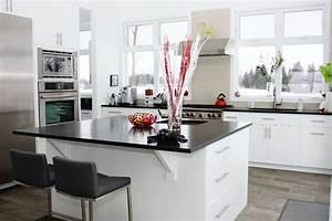 Cuisine Blanche Et Noire : cuisine moderne blanche et noir les armoires s guin cabinets ~ Nature-et-papiers.com Idées de Décoration