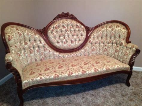 victorian sofa queen anne style home decor pinterest