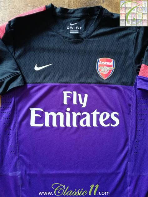 Arsenal Training/Leisure football shirt 2013 - 2014.