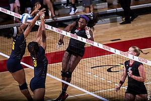 Austin Peay Govs drop entertaining match to OVC leader ...