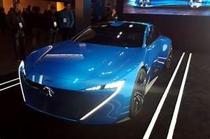 Peugeot Voiture Autonome : mwc 2017 avec instinct concept peugeot d voile sa vision de la voiture autonome d 39 apr s demain ~ Voncanada.com Idées de Décoration