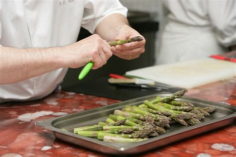 cuisiner les asperges vertes l 39 asperge et ses bienfaits combien de calories et
