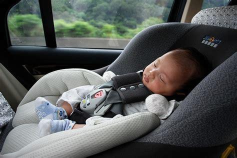 sécurité routière siège auto la négligence autour des sièges auto de nos enfants