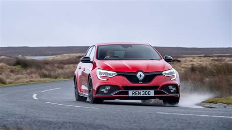 Renault Megane RS 300 2021 review - less is more with this ...