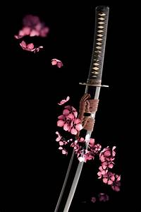 Beauty Re-Rendered: iPhone 4 Katana Sword Wallpaper