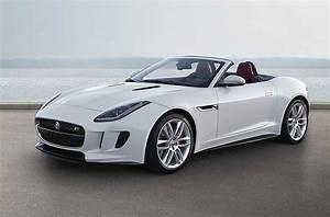 Jaguar F Type Cabriolet : jaguar f type r convertible top reasons to buy this beast of a car ~ Medecine-chirurgie-esthetiques.com Avis de Voitures