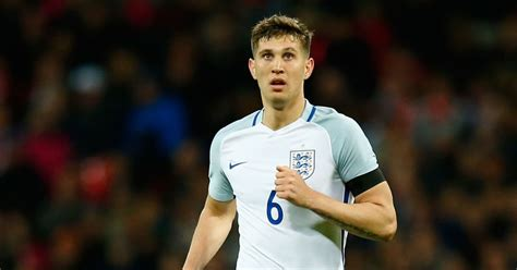 Barcelona Preparing Initial £25m Offer for England and ...