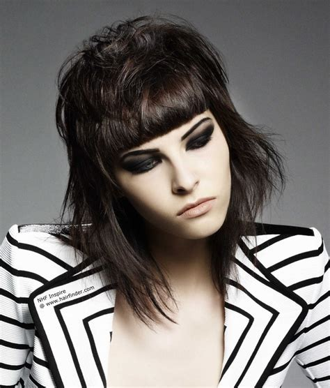 Rocking hairstyle inspired by Joan Jett and the short