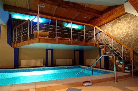 screened  covered  indoor pool designs