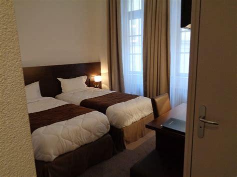 verdun chambre d 39 hôtel 2 lits d 39 1 personne au montaulbain