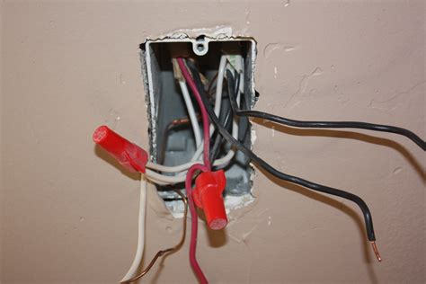 How Wire Three Way Recepticle Have Two Switches