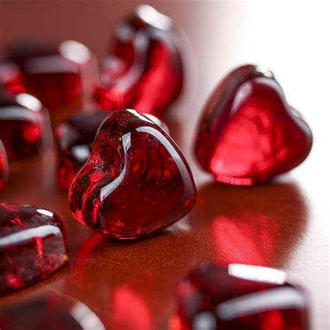 red glass hearts confetti table scatters party